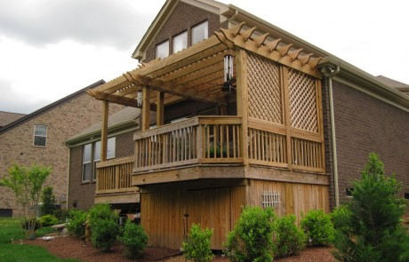 Deck addition with pergola