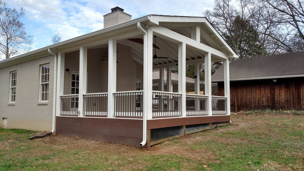 Composite Deck with Screen Porch